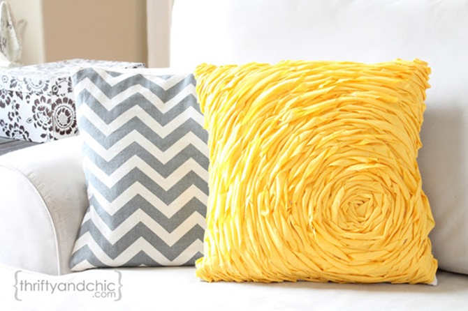 Spring Pillow Sewing Tutorial - Free Patterns to Love on EverythingEtsy