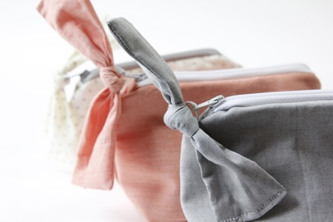 Spring Sewing Tutorials - zipper bow pouch pattern