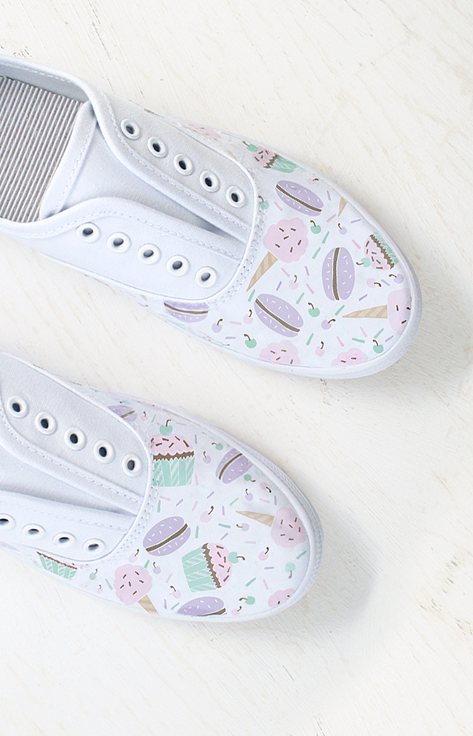 DIY Painted Shoes with Transfer Paper -  EverythingEtsy