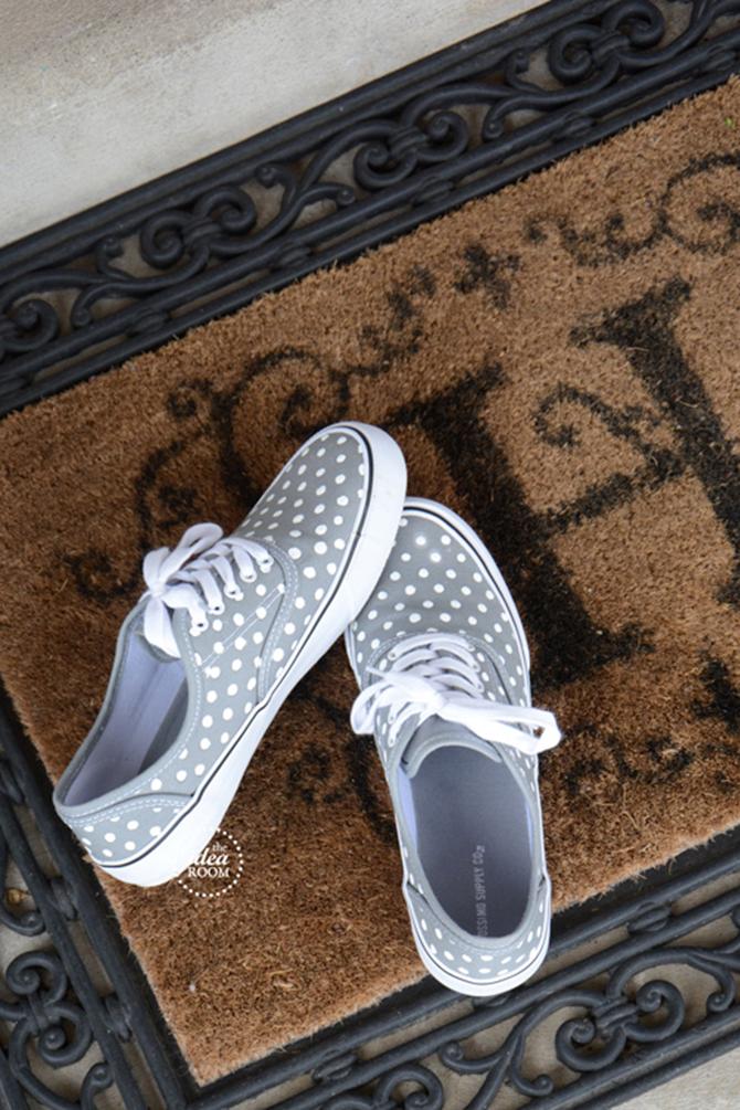DIY Tennis Shoes - EverythingEtsy