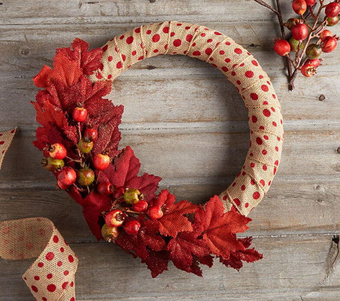 21 Fall Wreath Ideas - Polka Dots - EverythingEtsy