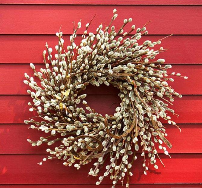 21 Fall Wreath Ideas - Pussy Willow Wreath - EverythingEtsy