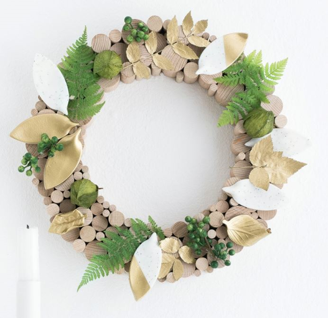 21 Fall Wreath Ideas - Wood and Leaves Modern Style - EverythingEtsy