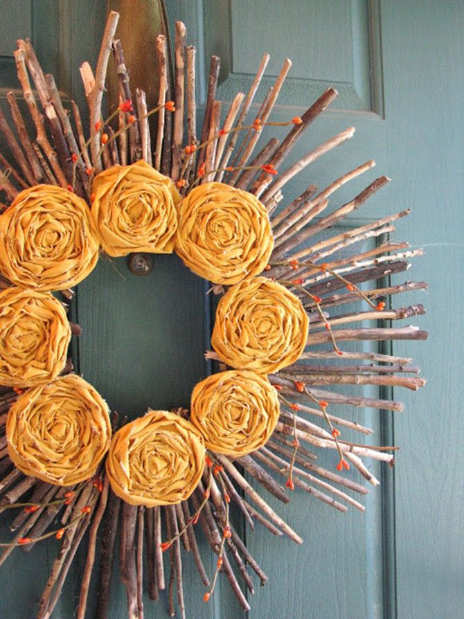21 Fall Wreath Ideas - Yellow  Flowers - EverythingEtsy