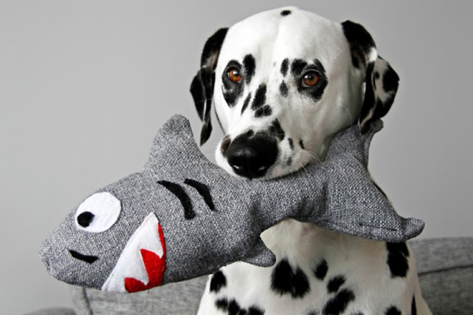 DIY Squeaky Dog Toy - Sewing Tutorials