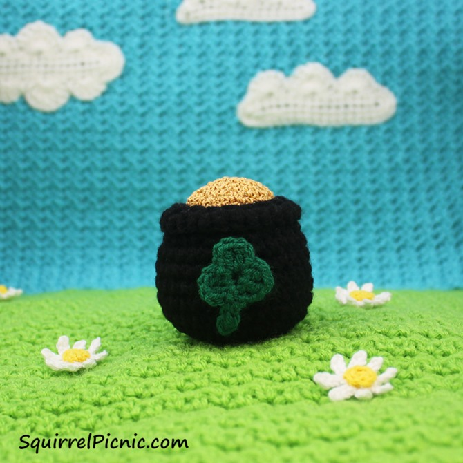 Free St. Patrick's Day Crochet Pattern - Pot of Gold