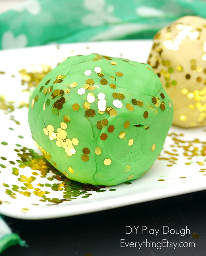St. Patrick's Day Shamrock DIY Play Dough - EverythingEtsy