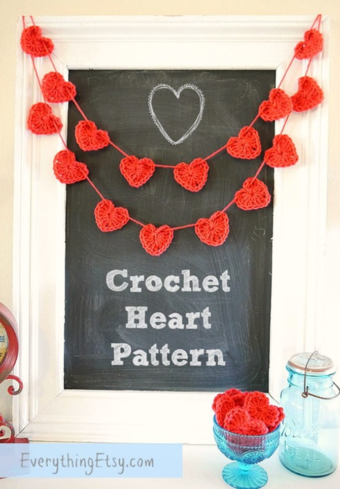 Free Crochet Heart Banner Pattern - 12 Valentine's Day Projects on EverythingEtsy