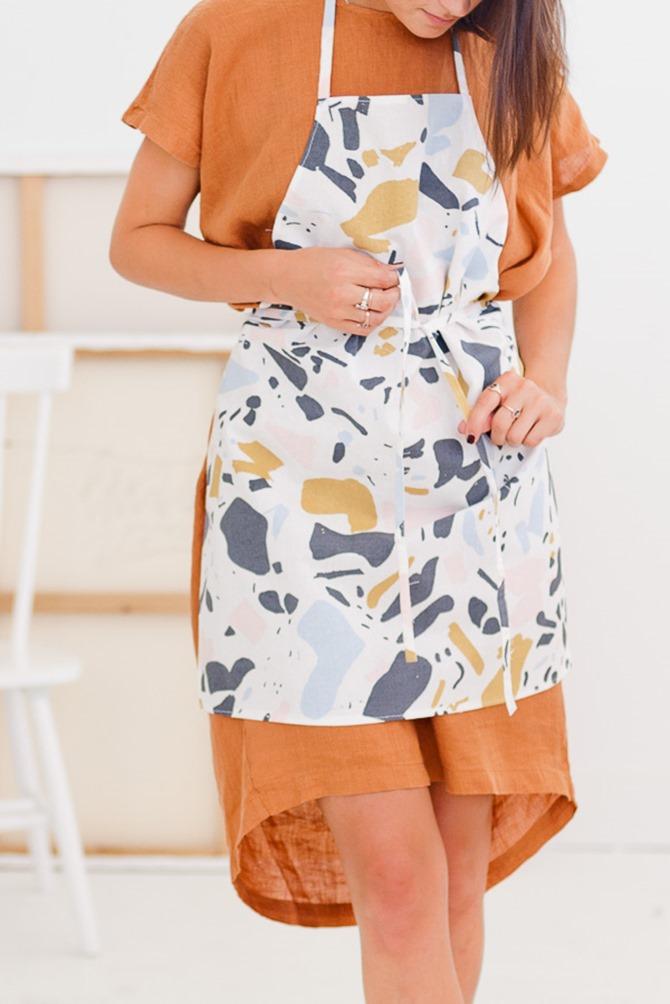 101 Fall Sewing TUtorials - EverythingEtsy.com - Easy 10 Minute Apron Tutorial
