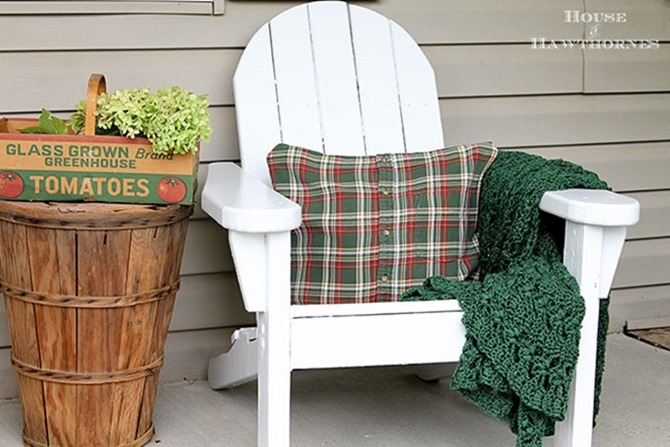 101 Fall Sewing Tutorials - EverythingEtsy.com - DIY Plaid Shirt Pillow