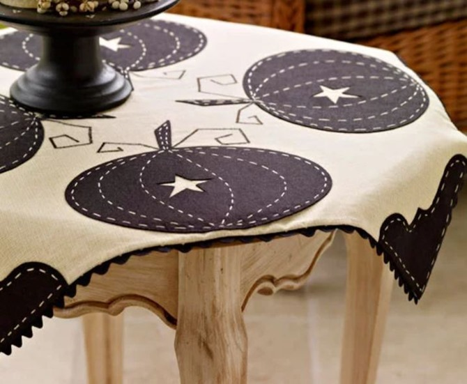 101 Fall Sewing Tutorials - EverythingEtsy.com - Fall Black and White Pumpkin Tablecloth