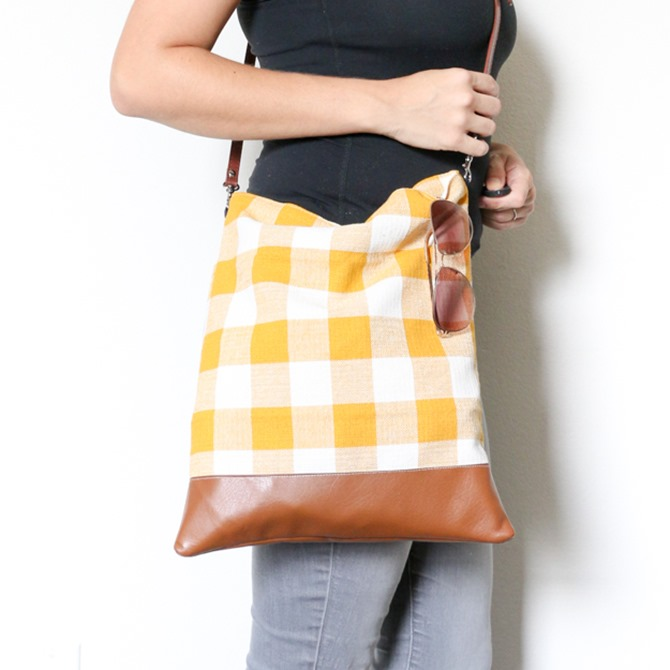 101 Fall Sewing Tutorials - EverythingEtsy.com - Fall Crossbody Bag Tutorial