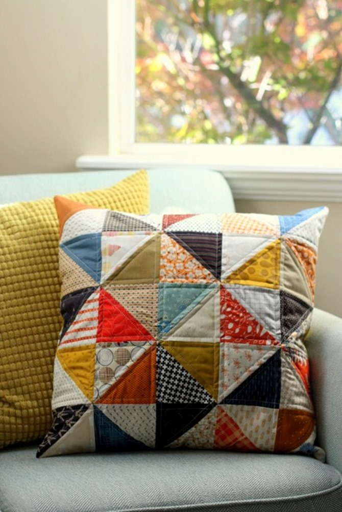 101 Fall Sewing Tutorials - EverythingEtsy.com - Patchwork Pillow