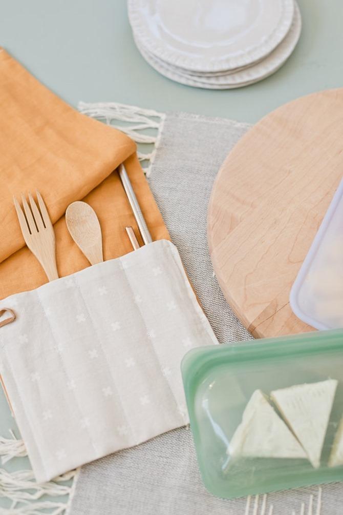 101 Fall Sewing Tutorials - Utensil Wrap DIY
