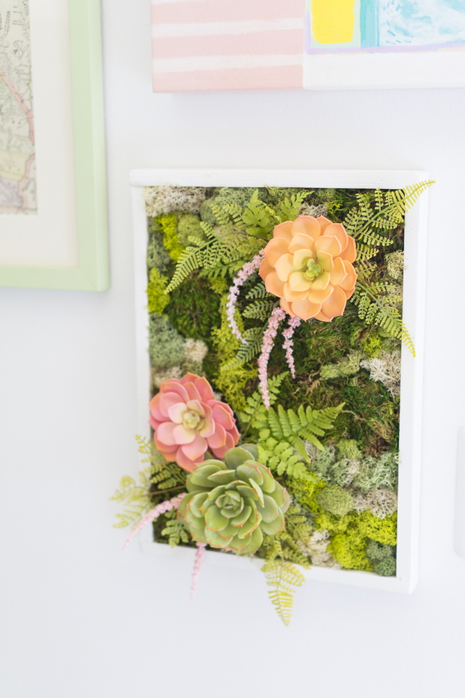 15 DIY Gifts for Plant Lovers - DIY Moss Garden - EverythingEtsy