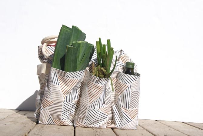 5 DIY Market Totes - Farmer's Market Weekend - Sewn with Pockets Pattern - EverytingEtsy