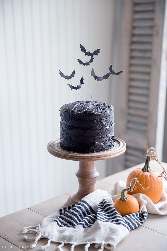 DIY Bat Decorations - Inspiration, Tutorials and Fun Ideas - Everything Etsy - Cake Topper