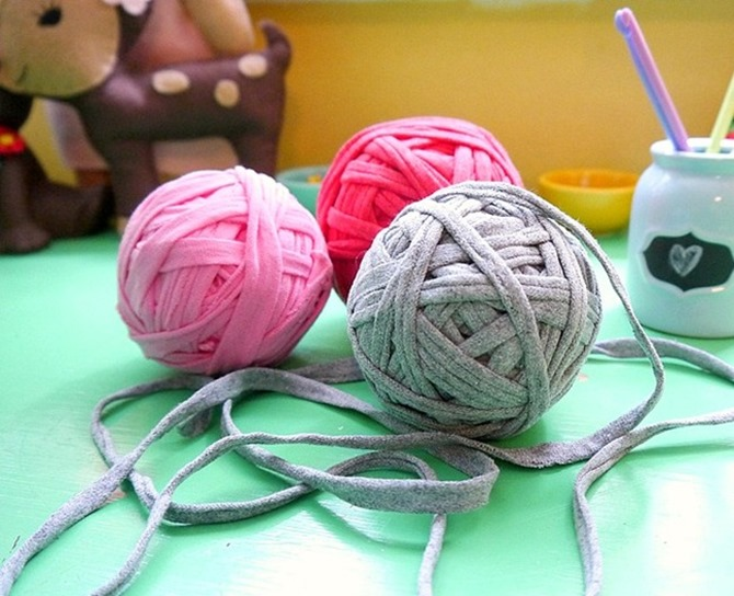 How to Make T Shirt Yarn - Everything Etsy